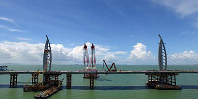 Hong Kong-Zhuhai-Macao Bridge Closer to Completion